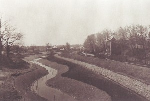 The Riverway section of the Muddy River is under construction here, in 1892. (Collection of the National Park Service, Frederick Law Olmsted National Historic Site, Brookline, Massachusetts.)
